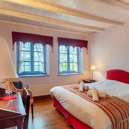 Ξενοδοχείο Άριστον, Μεγάλο Πάπιγκο, Ζαγοροχώρια | Διαμονή με θέα τους Πύργους τής Αστράκας